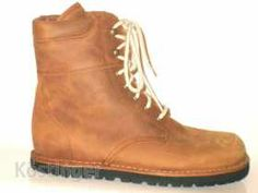 Waldviertler WILDERER - best winter shoes ever! Fashion Bags, Fashion Shoes, Fashion Accessories, Best Winter Shoes, Tie Shoes, Timberland Boots, My Style, Gifts, Kids
