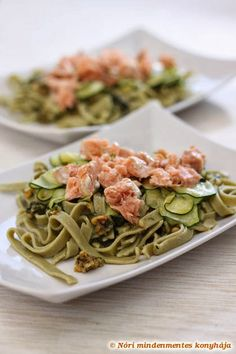 Nóri's ingenious cooking: Homemade gluten free spinach tagliatelle with grilled salmon, zucchini and basil pesto Healthy Gluten Free Recipes, Real Food Recipes, Vegan Recipes, Cooking Recipes, Detox Recipes, Paleo, Clean Eating, Healthy Eating, Healthy Food
