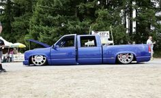 Dually truck