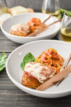 Healthy Chicken Parmesan {Air Fryer   Oven}   The Foodie and The Fix Healthy Chicken Parmesan, Healthy Chicken Dinner, Easy Healthy Dinners, Chicken With Olives, Raw Chicken, Crispy Chicken, Marinara Recipe, Cooking With Olive Oil, Italian Recipes