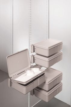 The Ambos Side Mounted Double Drawer is a space effective, convenient way of storing folded clothing or those little items that often go astray; jewellery, hair accessories, wallet or purse, cufflinks.  Stack as many Double Drawers as you need! Mounted on left or right side and ideal for narrow spaces. Totally extractable.