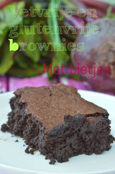 A healthy brownie with beetroot, no fat and no gluten! Healthy Brownies, Gluten Free Brownies, Get Healthy, Healthy Snacks, Paleo Dessert, Beetroot, Nom Nom, Cooking Recipes, Sweets