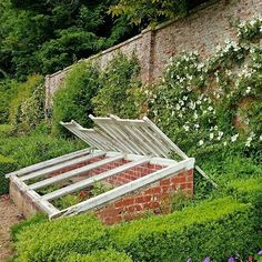 If you are going to have a good cultivation bench then yes like one at Cerney. I… - Backyard Garden Inspiration Potager Garden, Veg Garden, Garden Beds, Vegetable Gardening, Organic Gardening, Colonial Garden, Cold Frame, Low Maintenance Garden, Fire Pit Backyard