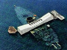 Pearl Harbor, Hawaii. Another incredibly moving place. Pearl Harbor 1941, Pearl Harbor Hawaii, Pearl Harbor Attack, Hawaii Life, Oahu Hawaii, Hawaii Travel, Moving Places, Places To Go, Uss Arizona Memorial