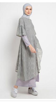 Najwa Lidya Dress Muslim Source by outfits muslim Kebaya Modern Dress, Kebaya Dress, Kebaya Muslim, Muslim Dress, Dress Batik Kombinasi, Moslem Fashion, Hijab Dress Party, Model Kebaya, Dress Brokat