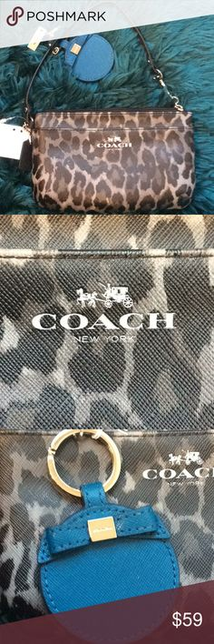 🌸New With tags Coach wristlet🌸 😊Make offer now 😊  Grey and black multi medium Coach wristlet new with tags Coach Bags Clutches & Wristlets