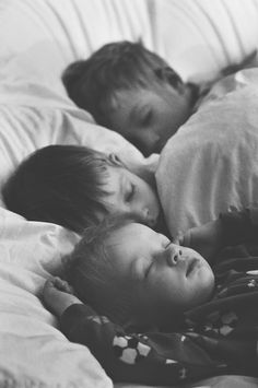 carlynnvictoria:    I can't wait to experience a moment like this in the future. Seeing my sleepy little babies all cozy together as brothers and sisters in mommy and daddy's big bed.