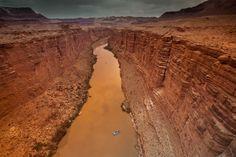 目を釘づけにする「スミソニアン」写真コンテスト。アリゾナ州コロラド川、マーブルキャニオン