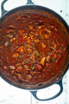 Kip goulash One Pot Meals, No Cook Meals, Dutch Recipes, Cooking Recipes, Weird Food, Happy Foods, Quick Meals, Food For Thought, Healthy Dinner Recipes