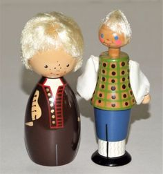 Salvo dolls from Estonia. I'm not sure which regions they are from.