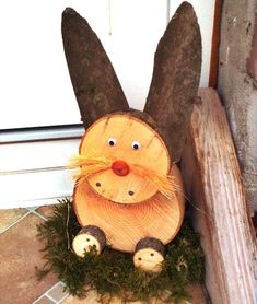 Do you still have a log or a disk somewhere? 10 great craft ideas with wood! – homemade ideas – # Tree trunk Do it yourself Source by pinspacesite Wood Log Crafts, Wood Slice Crafts, Easter Projects, Easter Crafts, Craft Projects, Summer Crafts, Holiday Crafts, Diy And Crafts, Holiday Decor