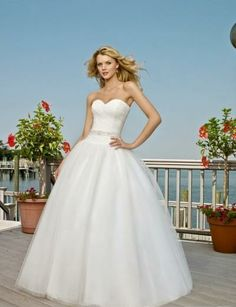 Tulle Sweetheart Strapless Beaded Sash Ball Gown with Sweep Train Beach Wedding Gown WL-0068