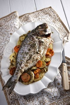 Greek Fish Recipe, Greek Recipes, Fish Recipes, Food Network Recipes, Cooking Recipes, Healthy Recipes, Healthy Food, Seafood Dishes, Fish And Seafood