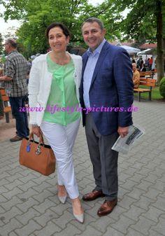 Hochzeiten-Events-Authorisierter Fotograf des Standesamtes in Baden-Baden: Klaus Allofs und seine Frau Ute auf der Rennbahn i...