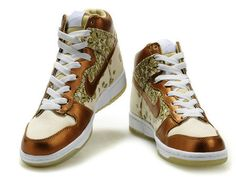 first rate 61901 f9c1f Nike Dunk High Women Skinny Paule Marrot Butterflies