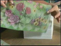28/06/09 - Caixa de chá com guardanapo florido