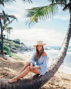 Gal Meets Glam in Maui