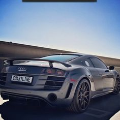 Audi R8 just cruising! can't beat the R8 i love it!