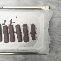 How To Make The Best Chocolate Bars Healthy – Green Press Paleo Dessert, Dessert Recipes, Desserts, Healthy Treats, Yummy Treats, Best Chocolate Bars, Twix Bar, Mars Bar, Raw Vegan