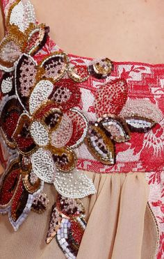 Splash Connect - Schiaparelli Spring 2016 Couture Fashion Show Details