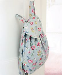 A very simple backpack sewing tutorial with diagrams for measurements.