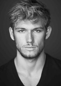 """Alexander Richard """"Alex"""" Pettyfer (born 10 April is an English actor and model. Alex Pettyfer appeared in school plays and on televi. Pretty People, Beautiful People, Beautiful Person, Amazing People, 50 Shades Of Grey, Fifty Shades, Charlie Hunnam, Christian Grey, Christian Actors"""