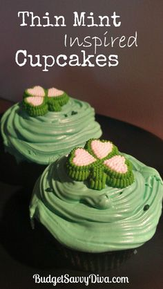If you like Thin Mint cookies you will LOVE these cupcakes