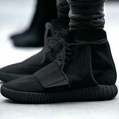Yeezy Boost in black
