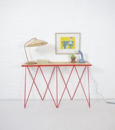 Giraffe console table in red / osb
