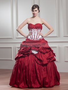 Strapless Sweetheart Gothic Wedding Dress with Extravagant Ruched Skirt