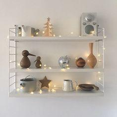 A little more twinkliness String Pocket, Better Homes, Floating Shelves, Sweet Home, Shelf, Living Room, Interior Design, Storage, Furniture