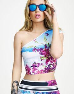 iggy azalea revolve clothing photos 2014 5 Iggy Azalea Serves Up Chic for REVOLVE Clothing Summer Campaign Iggy Azalea, Katy Perry, The New Classic, Summer Campaign, Asymmetrical Tops, Revolve Clothing, Swagg, Amelia, Ideias Fashion