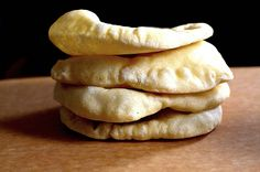 pita bread Pita Bread, Great Recipes, How To Make Bread, Funny Photos, Cheese, Youtube, Watch, Food, Simple