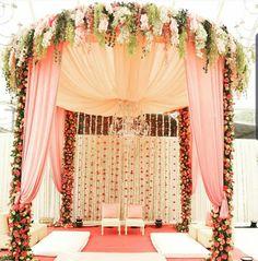 Indian Wedding Stage, Indian Wedding Receptions, Wedding Stage Design, Wedding Altars, Wedding Venues, Reception Stage Decor, Wedding Reception Backdrop, Wedding Mandap, Wedding Backdrops