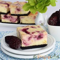 Blackberry&Lemon Cheesecake Bars - A delicious summer dessert Coffee Time, Tea Time, Lemon Cheesecake Bars, Summer Fresh, Summer Desserts, Caramel, Berries, Marble, Sweets