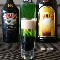 SEDUCTION SHOT Bottom layer:  ½ oz (15 ml) Kahlua  Middle layer:  ½ oz (15 ml) Midori  Top layer: ½ oz (15 ml) Bailey's  **Side note: Use room temp Bailey's. Chilled Bailey's results in it being too heavy to sit on top of the Midori.  INSTAGRAM PHOTO CREDIT: @booze_art