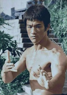Bruce Lee – martial artist and icon. Brandon Lee, Kung Fu, Martial Arts Movies, Martial Artists, Eminem, Bruce Lee Pictures, Bruce Lee Family, Bruce Lee Martial Arts, Way Of The Dragon