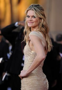 Missi Pyle Layered Cut - Missi Pyle wore her long locks in tousled wavy layers at the Annual SAG Awards. Missi Pyle, Wavy Layers, Gone Girl, Sag Awards, Layered Cuts, Celebs, Celebrities, Formal Dresses, Wedding Dresses