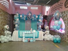 Arco globos frozen Elsa Birthday Party, Frozen Themed Birthday Party, Disney Frozen Birthday, 6th Birthday Parties, Frozen Party Decorations, Birthday Party Decorations, Frozen Dessert Table, Anniversaire Harry Potter, Rainbow Balloons