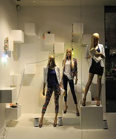 Stradivarius window displays, Budapest visual merchandising