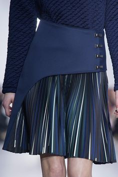 The best moments of the French Fashion Week - Bonjour Paris! The best moments of the French Fashion Week Check more at fashionz. Fashion Details, Diy Fashion, Womens Fashion, Fashion Trends, Women's Dresses, Fashion Dresses, Mode Chic, Mode Inspiration, Stylish
