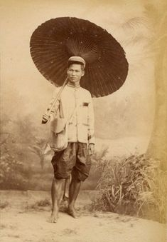 1890s – Siamese Postman and Siamese Family | 2Bangkok.com
