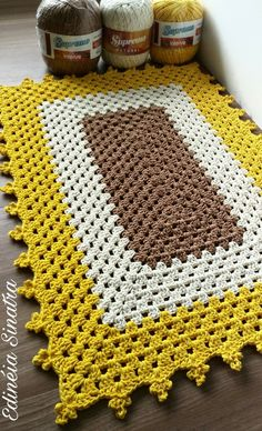 Stylish Rugs for Every Room crochet pattern book at Maggie's crochet Crochet Mat, Crochet Carpet, Crochet Pillow, Crochet Home, Crochet Granny, Baby Blanket Crochet, Crochet Doilies, Crochet Bobble, Knit Rug