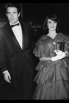 Natalie Wood and Warren Beatty at the premiere of 'Splendor in the Grass'