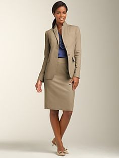 We love this outfit. From your interview to the board room. Every working girl needs this. Just because you're an intern, it does not mean you have to look like a first year student at orientation week. #interview #fashion #wardrobe