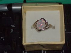 LOOK!!! A BEAUTIFUL STERLING SILVER WHITE FIRE OPAL ENGAGEMENT RING SIZE 8