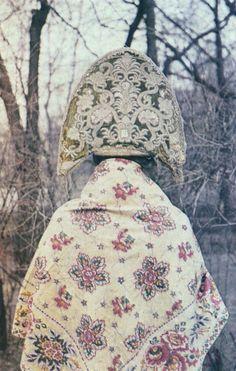 The back side of kokoshnik, embroidered with gold. XVIII-XIX centuries. Leningrad, HEV.