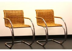 mr-side-chair-by-ludwig-mies-van-der-rohe-for-thonet-Ludwig Mies van der Rohe-31