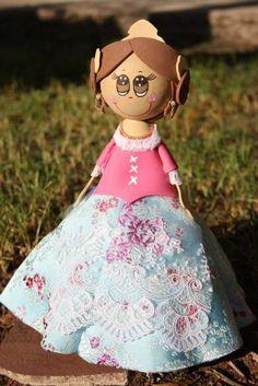 Preciosas fofuchas de goma eva realizadas por DeMimami. Visto en el blog de Mamás Creativas. http://www.mamas-creativas.blogspot.com