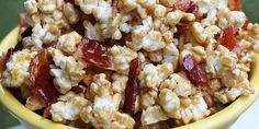 Maple popcorn with candied bacon. This absolutely delicious popcorn recipe flips the script on popcorn and you'll love it! Bacon Popcorn, Popcorn Recipes, Yummy Appetizers, Appetizer Recipes, Snack Recipes, Dessert Recipes, Candied Bacon, Maple Bacon, Savory Snacks